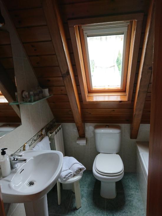 Baño de Habitación doble en Hostal Era Nheuada
